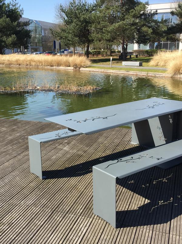 Création d'une table en acier personnalisée